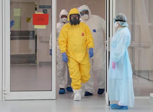 Путін коронавірус костюм