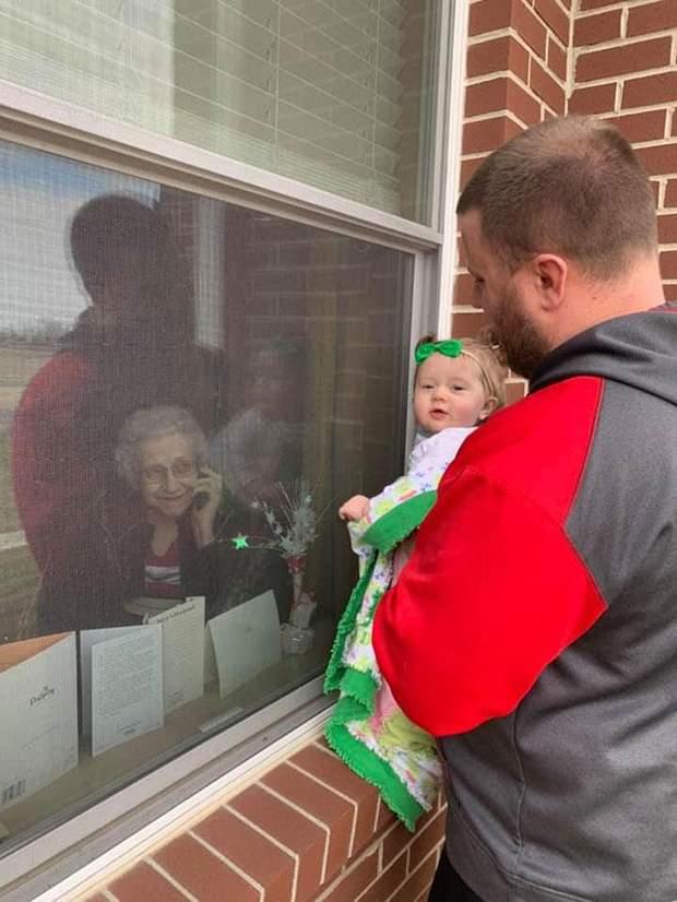 Син захотів з дитиною побачити бабусю