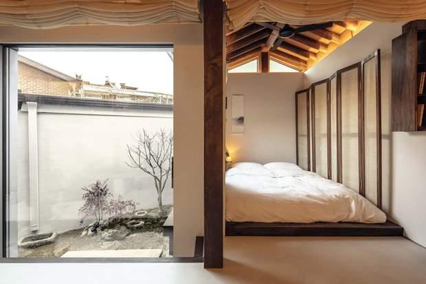 Спальним місцем слугує лише матрац / фото: Deezen