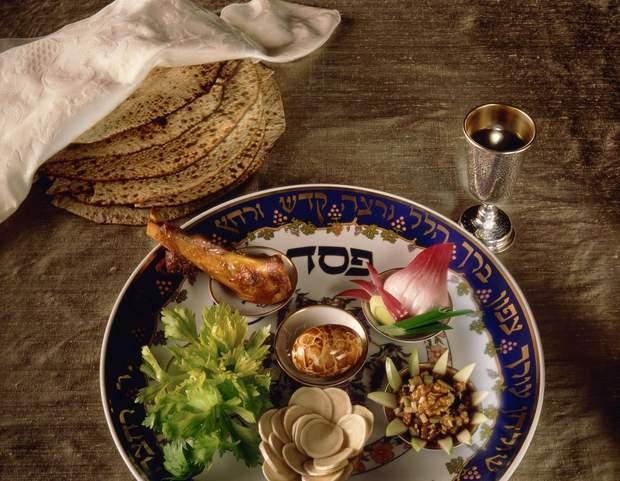 Обов'язкові страви на столі в перший день Песаху