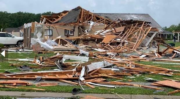 В штатах Миссисипи и Луизиана пронесся мощный торнадо: погибли 6 человек – фото, видео