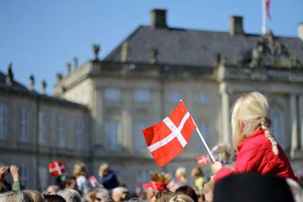 Данія послаблює карантин