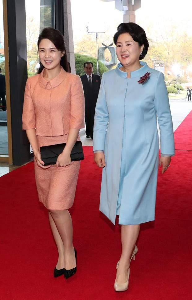 Что известно о жене Ким Чен Ына: подборка образов Ли Соль Чжу