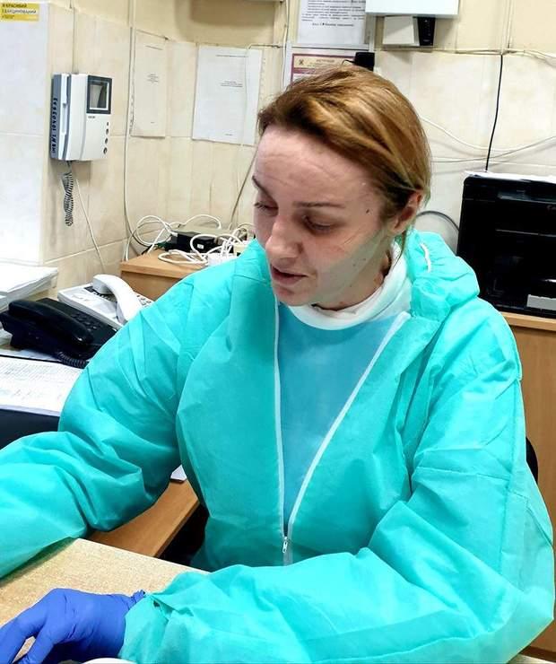 лікарка Таміла сліди від захисної маски на обличчі