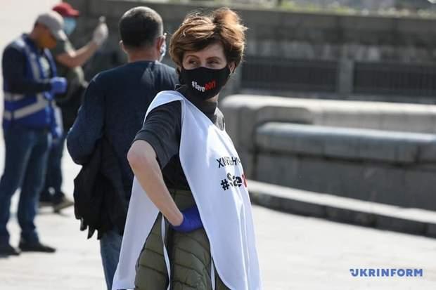 Предприниматели устроили протест на Банковой, а затем двинулись к дому Зеленского: фото