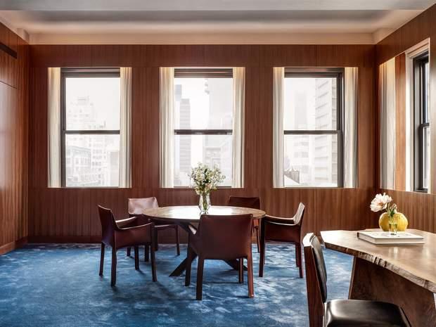 Как в фильмах Дэвида Линча: фото типичного офисного интерьера в США