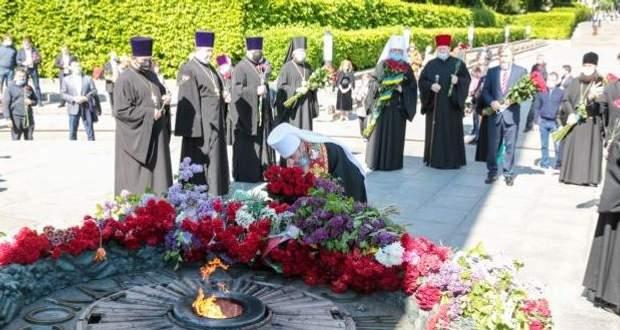 Онуфрій і Новинський вшанували День Перемоги