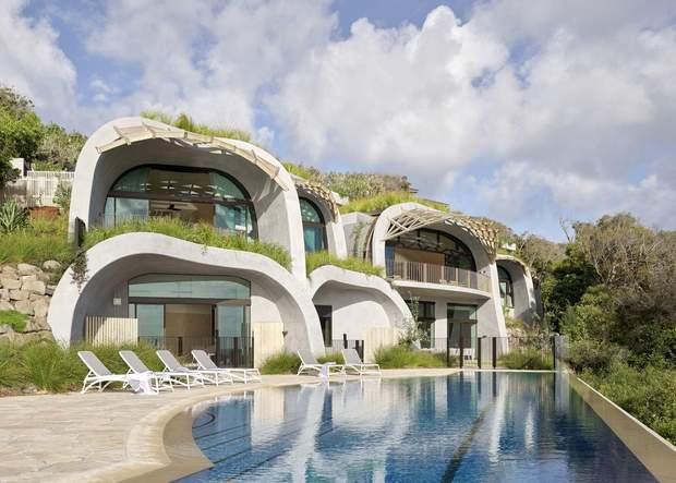 Главная функция – развлечения: в Австралии построили креативную резиденцию в холме: фото