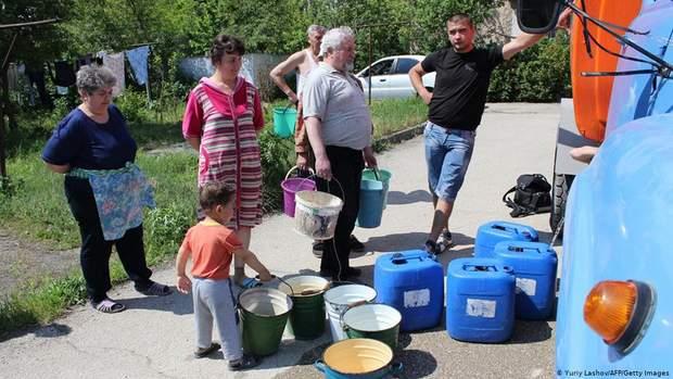 Кримчани в черзі за привозною водою