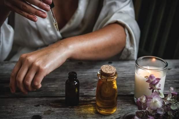 Як наносити кокосову олію