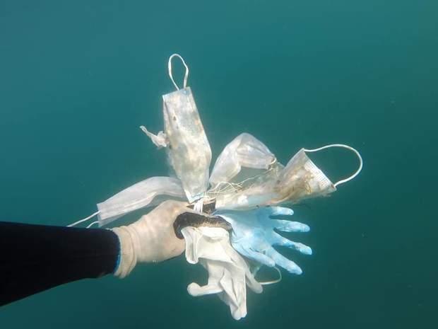 маски у морі