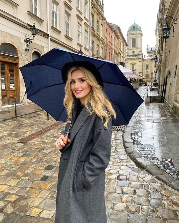 Ирина Федишин прогулялась по улочкам Львова: удивительные кадры