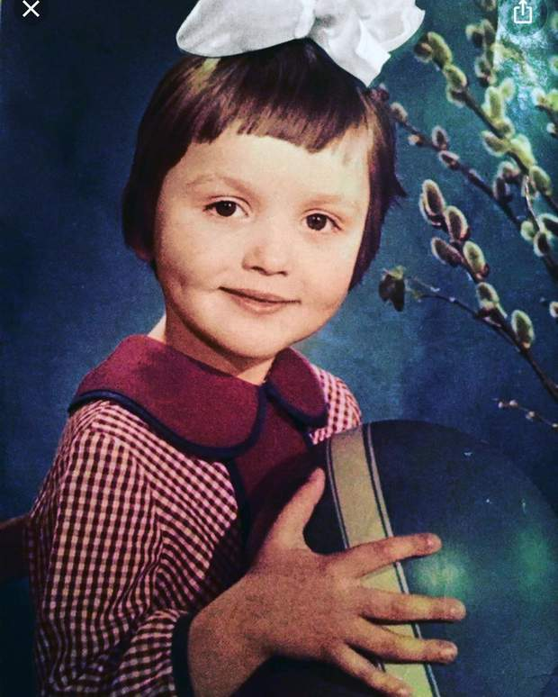 Оля Полякова умилила сеть детской фотографией