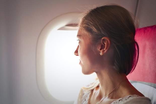 Догляд у літаку за шкірою