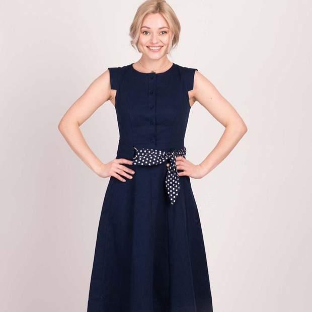 Обирайте сукні з акцентом на талії