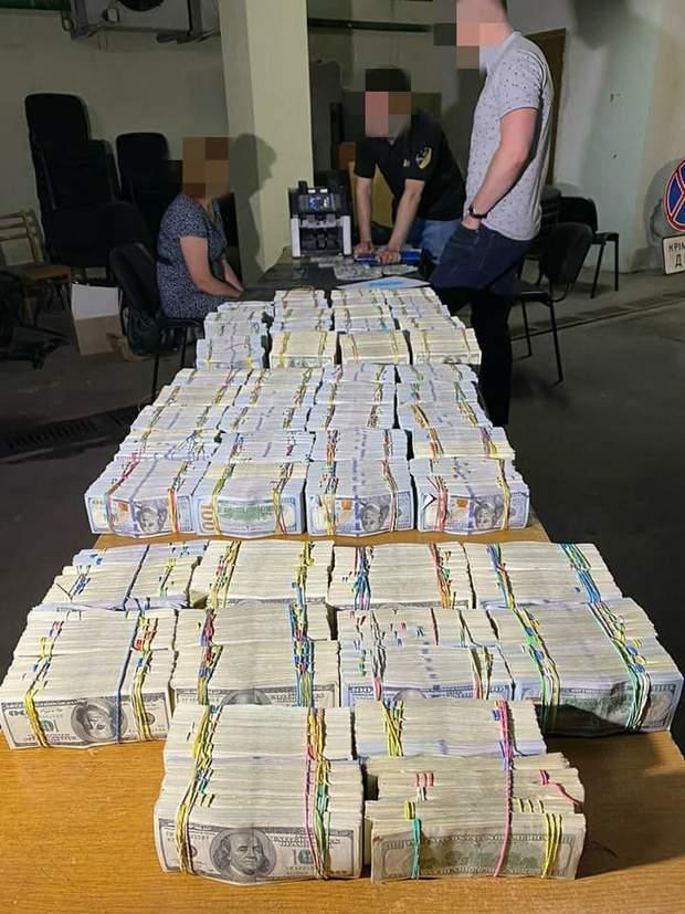6 мільйонів готівкою