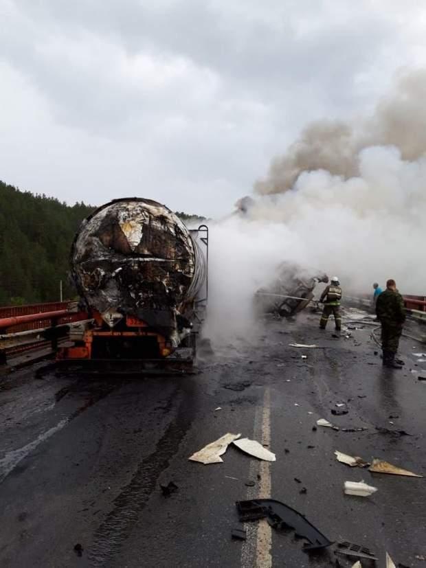 ДТП, Челябінська область. жертви, М-5, вантажівка, легковики