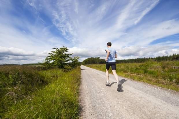 Як бігати під час спеки та займатись спортом