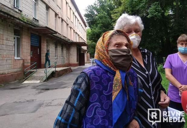 92-річн а жінка одужала від коронавірусу