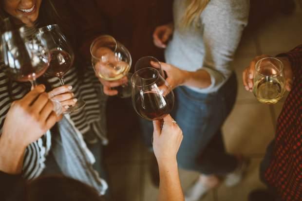 Алкоголіки не можуть без алкоголю