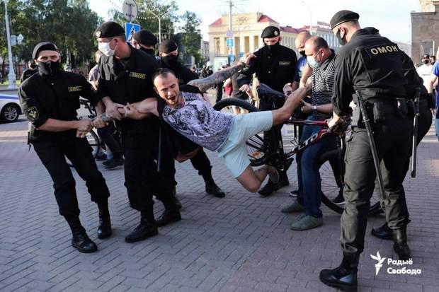 омон протести в білорусі