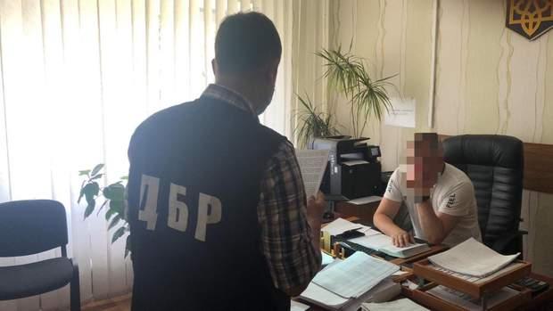 порошенко експрикордонник мальдіви підозра