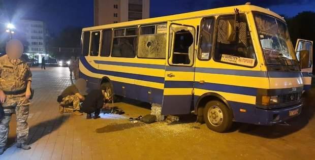 Автобус, у якому терорист утримував заручників