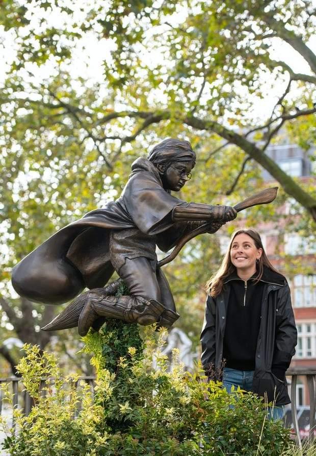 пам'ятник Гаррі Поттеру, Лондон