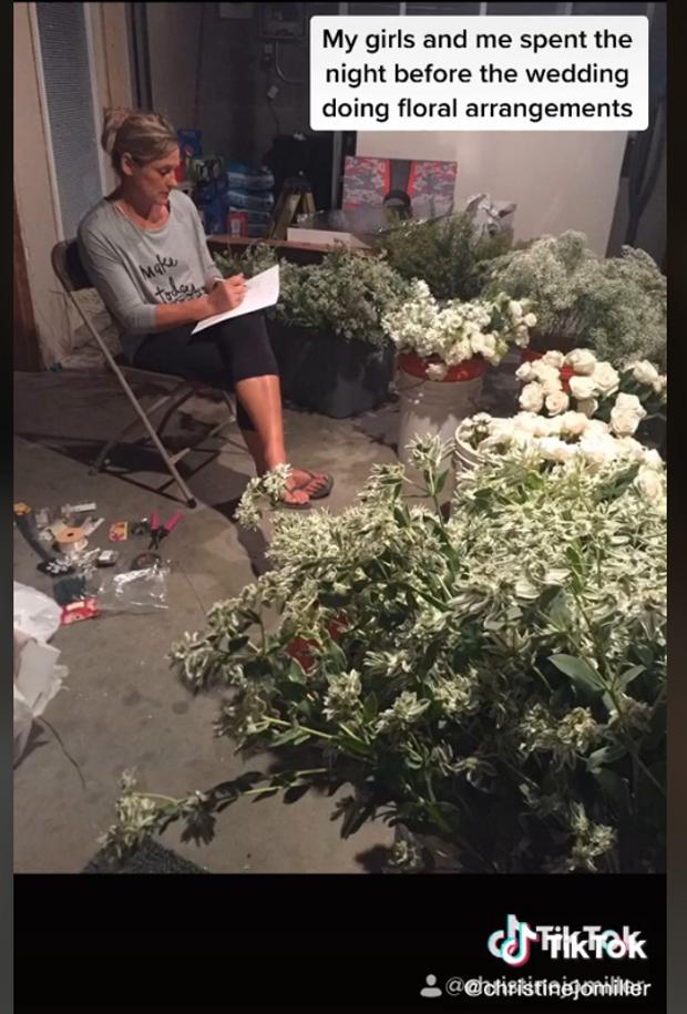 Зібрані квіти на весілля