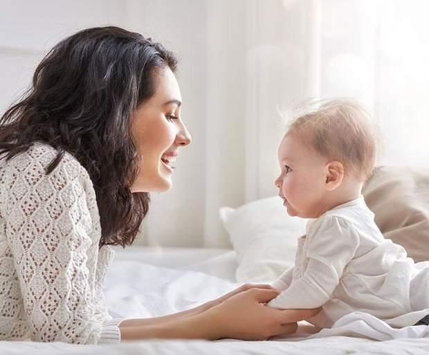 Діти реагують на емоції мами