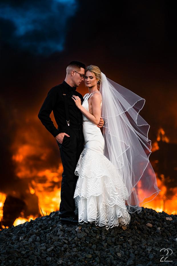 Фотосесія на фоні пожежі