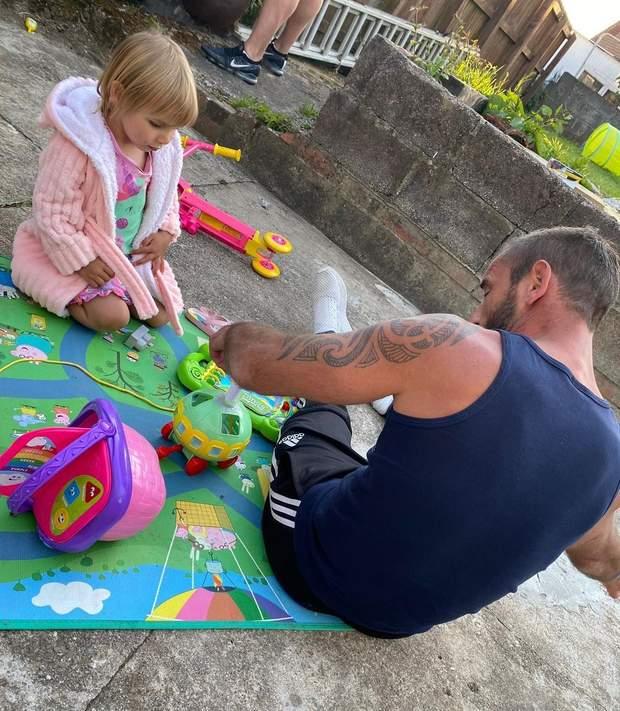 Кріс з донькою