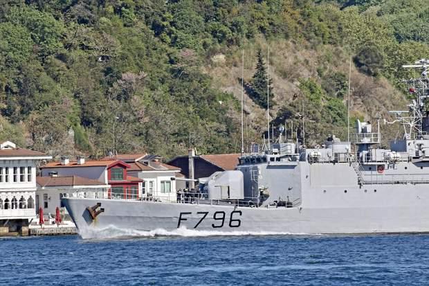 корвет F796 Commandant Biro