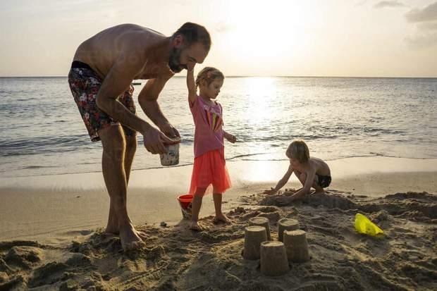 На пляж з дітьми