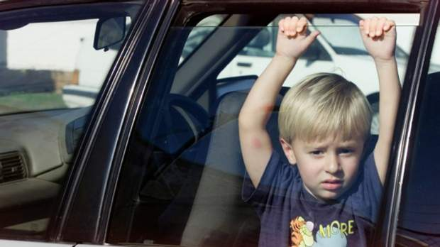 Дитина в авто