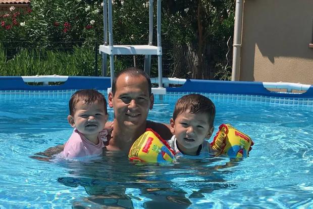 Вінсент Фішо з дітьми