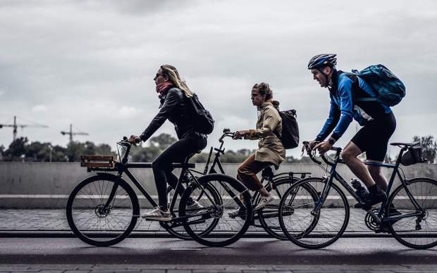 велосипедисти, переваги велосипеда