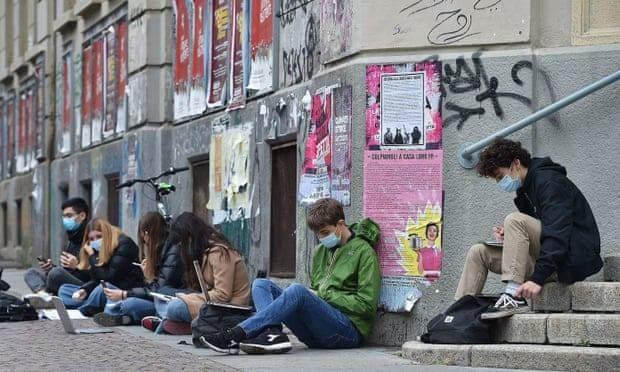 Сидячий протест в Італії