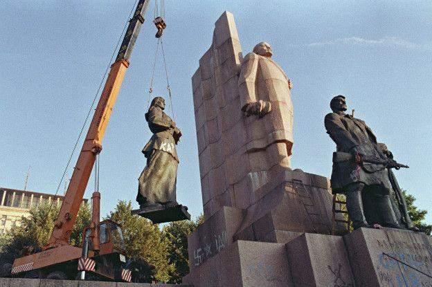 Демонтаж пам'ятника Леніну, Київ, 30 років Незалежності, як змінився Київ за 30 років