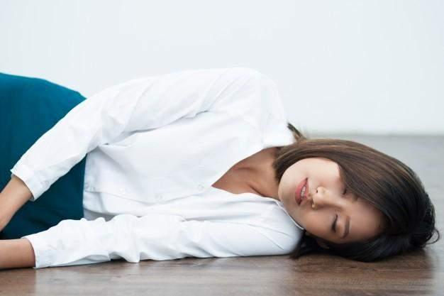 Сон на підлозі підходить не всім