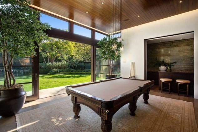Голлівудський актор Метт Деймон знизив ціну на розкішний особняк у Лос-Анджелесі