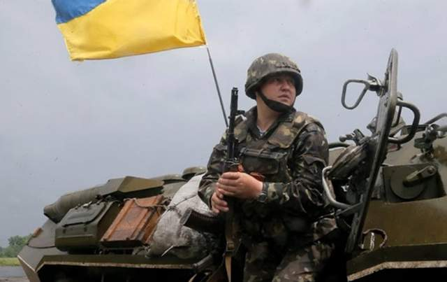 В Украине объявили военное положение: что это значит