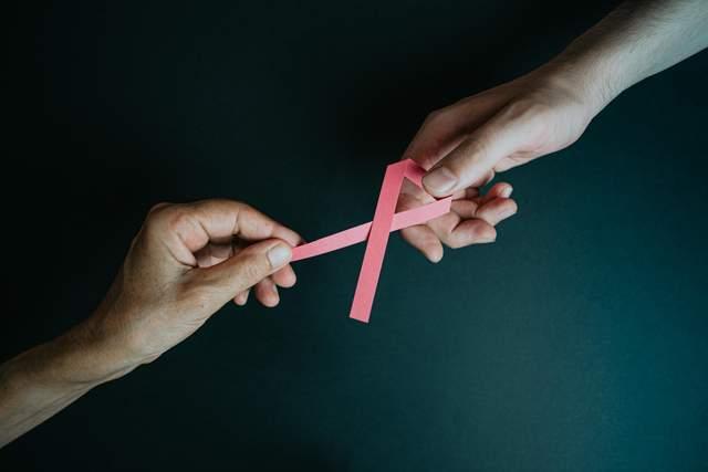 880415 - Рак молочної залози: симптоми, причини та стадії раку грудей