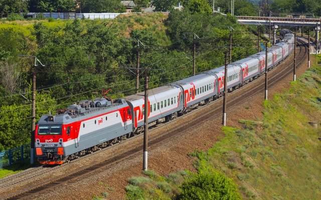 Пусть ездят где угодно, кроме Украины, – Омелян о движении российских поездов в обход Украины