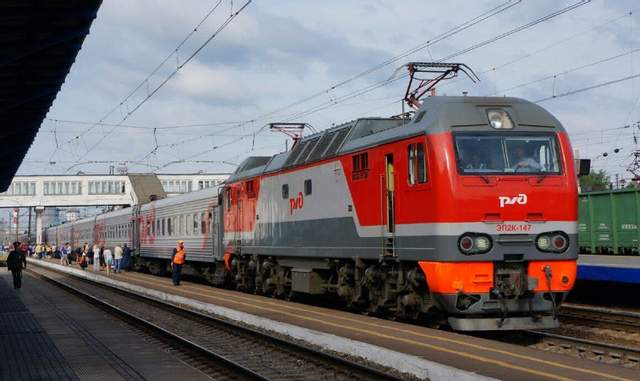 Россия запустила поезда в обход Украины, но не все