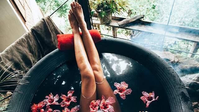 Рецепты ароматических ванн, которые вас расслабят и помогут похудеть