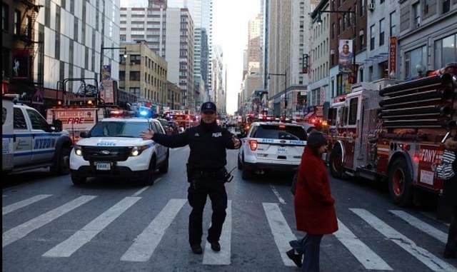 Взрыв в Нью-Йорке: в сети появилось видео момента подрыва