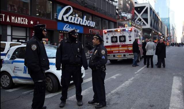 Взрыв в Нью-Йорке признали терактом