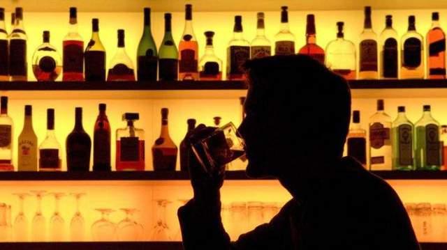 Депутаты хотят увеличить штрафы за нарушение правил продажи и употребления алкоголя