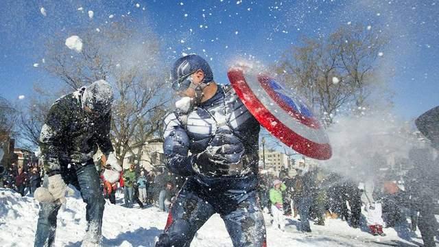 Из-за вечеринки и бросания снежками в полицейских норвежца отправили за решетку